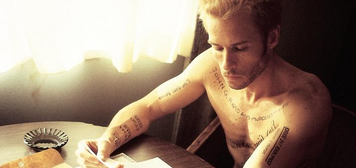 Memento (Source: themoviedb.org)